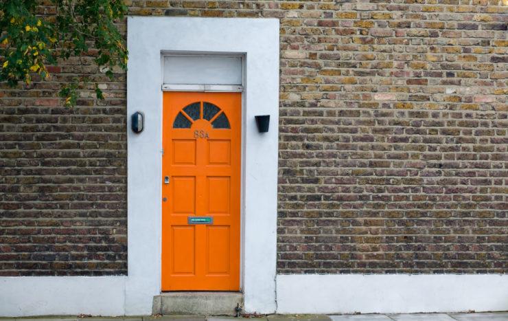 Changer sa porte d'entrée pour donner une plus-value à sa maison