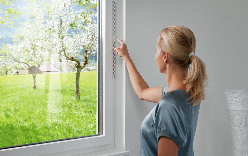 Qualité de l'air intérieur : les fenêtres aussi