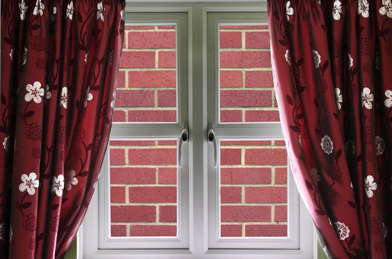 fenêtre avec mur