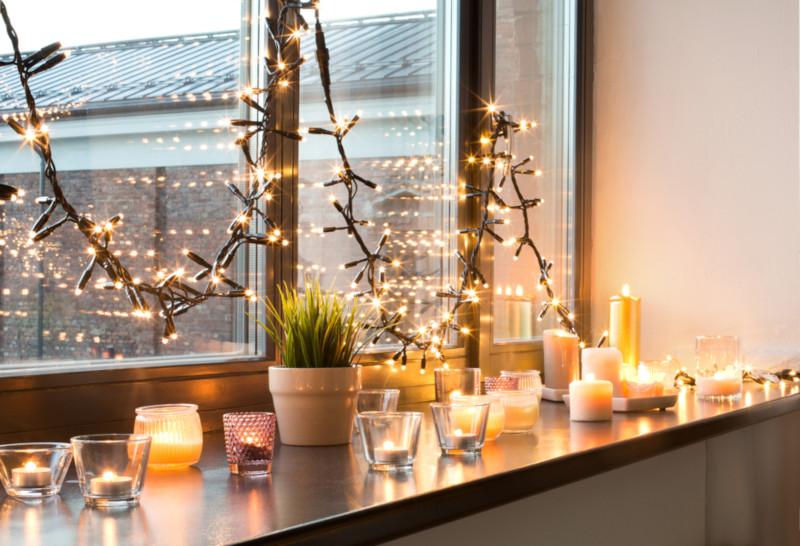 Décorer l'intérieur de ses fenêtres à Noël