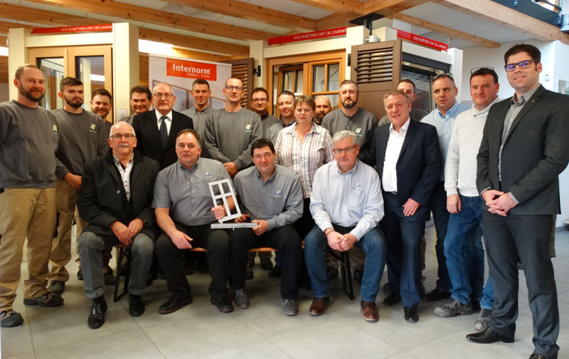 Remise trophée Internorm à Contact Fermetures distributeur n°1 en France