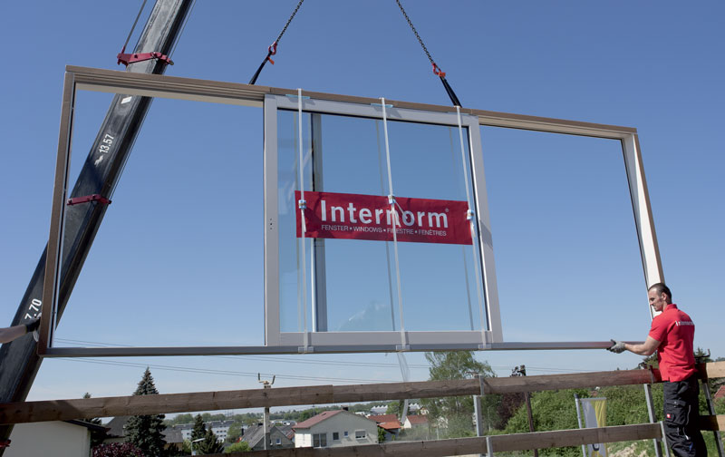 Transport et installation baies vitrées grandes dimensions Internorm