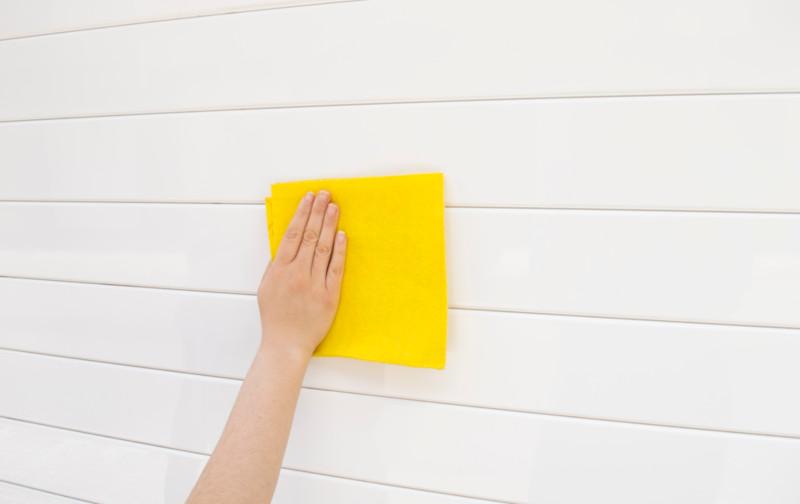 Comment entretenir une porte en PVC ?